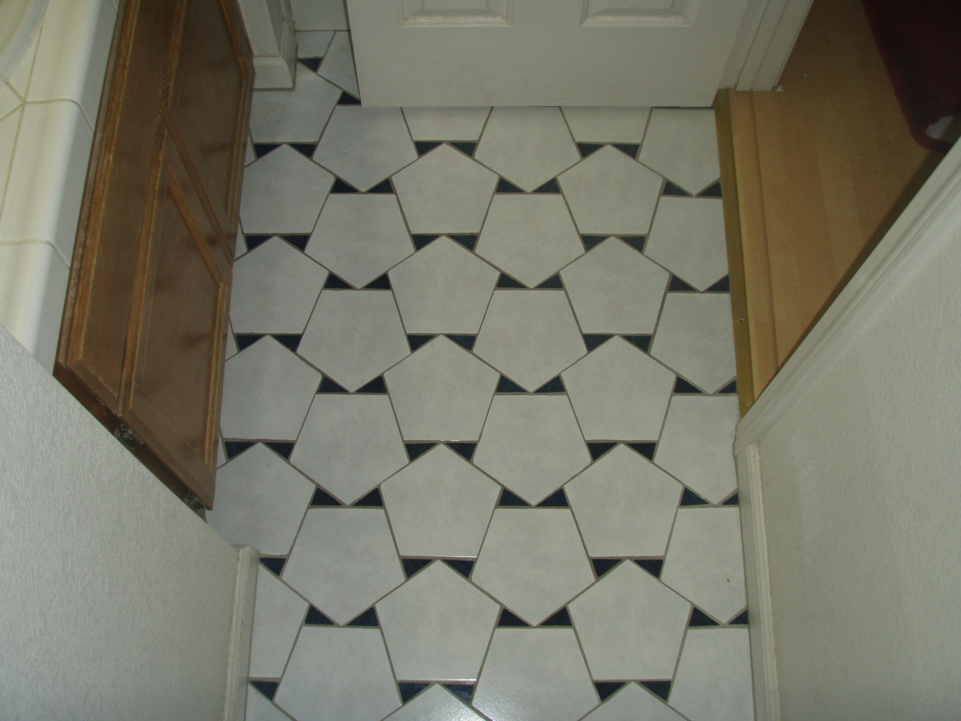 Three mathematical floors Bathroom flooring tile