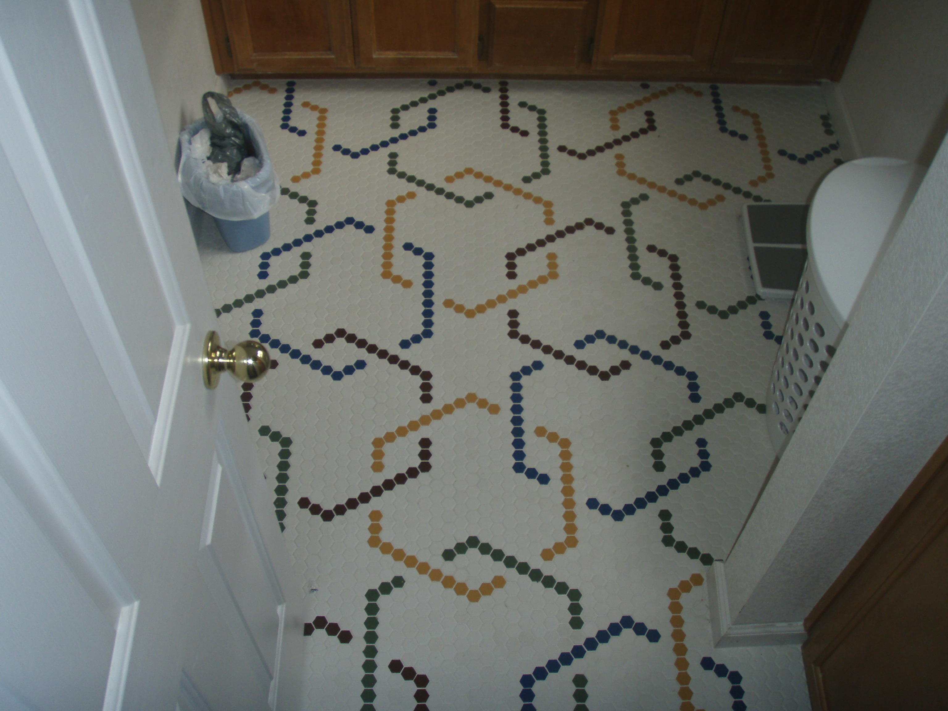 Tile a bathroom floor - Master Bathroom